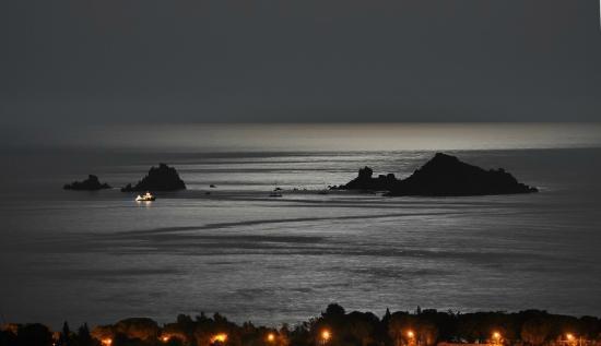 Il Faro : Santa Maria Navarrese di notte