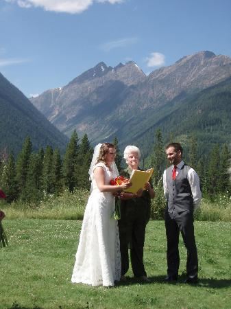Heather Mountain Lodge: background to wedding