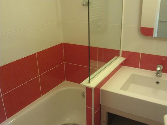 Maeva Residence Malinka: Bain et wc séparé (sportgogo août 2012)