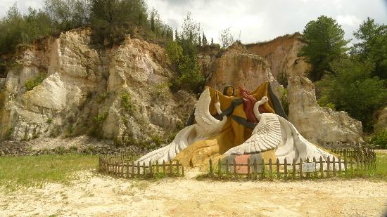 Luliang Colored Sand Forest : Sand Sculpture III