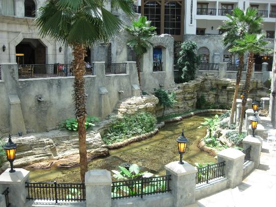 trains gaylord texan picture of gaylord texan resort. Black Bedroom Furniture Sets. Home Design Ideas