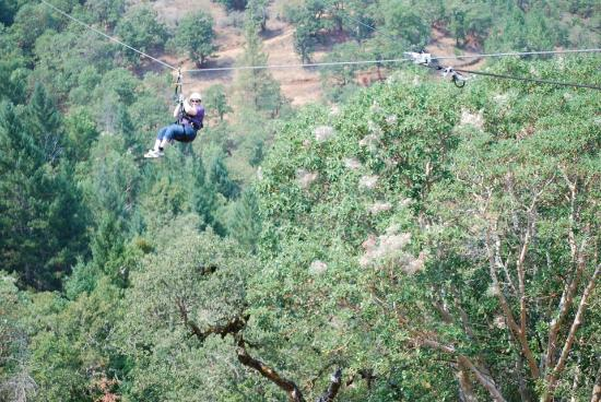 Rogue Valley ZipLine Adventure: Zipping!