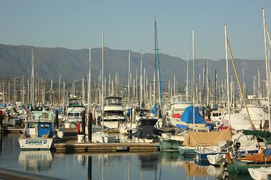 Beach House Inn & Apartments: Harbor at Santa Barbara