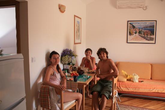 Miramare & Campara Apartments: В гостиной