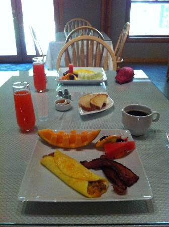 Arnold Black Bear Inn: Breakfast is served.