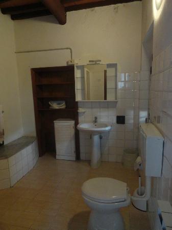 Agriturismo Santa Croce: Banheiro de uma das suítes