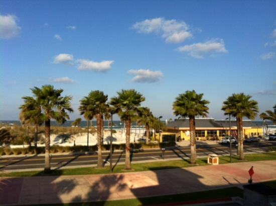 Crabby's Beachwalk Bar & Grill: View from top deck of Crabby's