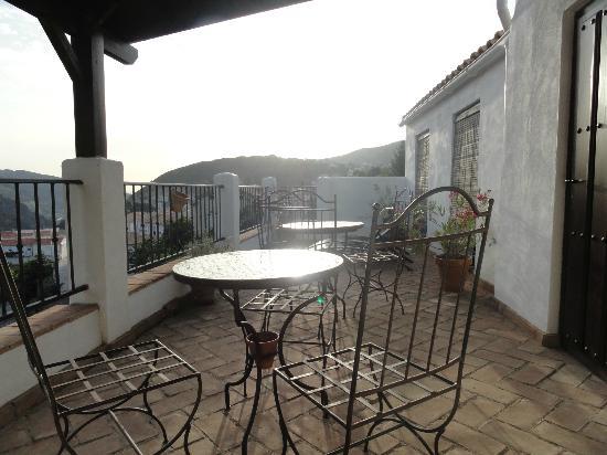 Bed & Breakfast Arroyo de la Greda: view on the terrace evening