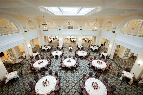 UVA Inn at Darden: Abbott Center Dining Room