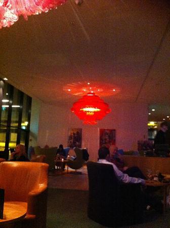 Radisson Blu Hotel, Zurich Airport: Lounge