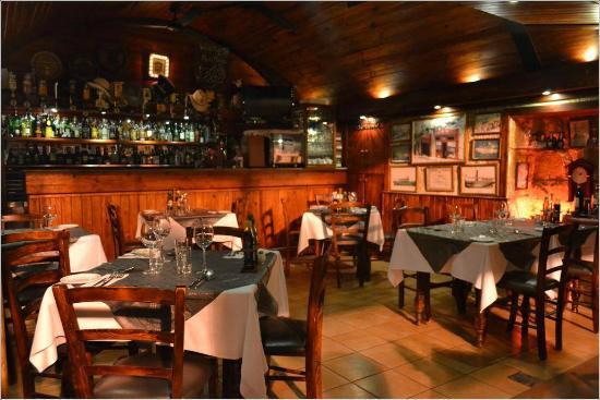 Cockney's Restaurant: Winter inside sitting