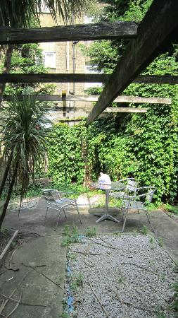 Swinton Hotel: Cour accessible de la chambre