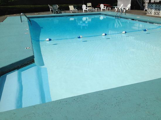 La Plaza del Sol: Pool