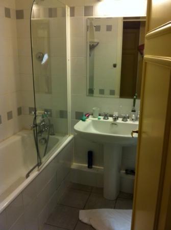 Millesime Hotel: bath