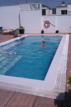 Hotel Marina: The hotel pool on the roof - a great place to relax and enjoy a dip