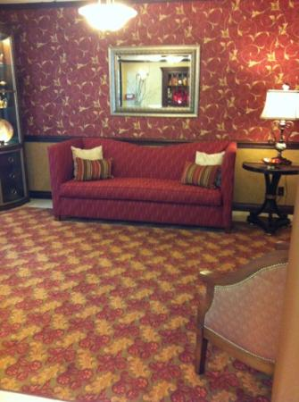 Hampton Inn Pittsburgh/West Mifflin: front view of updated loby