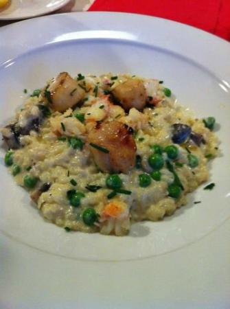 Mangetout Deli: Langoustine & scallops risotto with peas, mushroom & parmesan