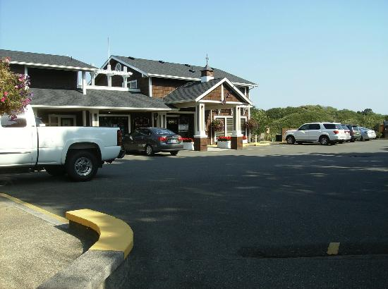 Front of Bandon Inn
