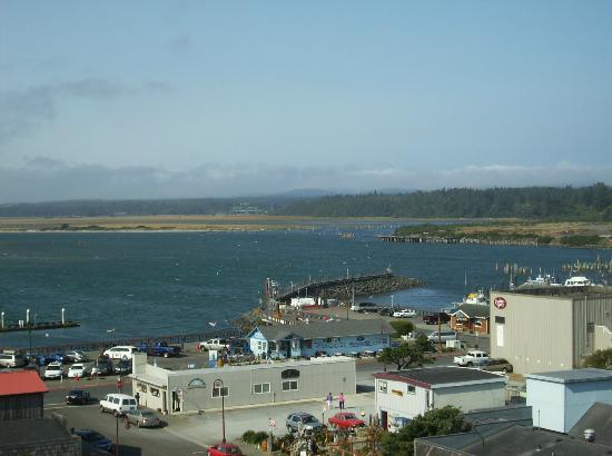 Bandon Inn: The harbor from balcony