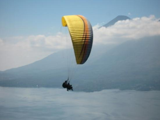 Paragliding Panajachel