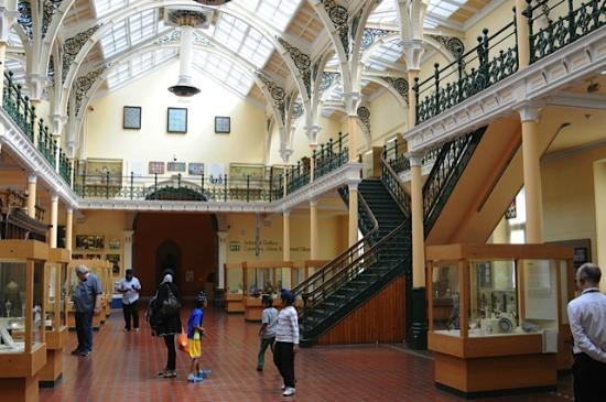 Birmingham Museum & Art Gallery: Museum Exhibition Hall