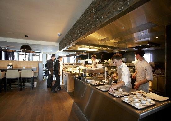 FG Restaurant: kitchen