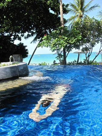 Samui Paradise Chaweng Beach Resort: Wonderful pool and view