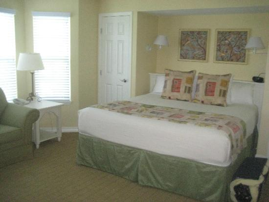 Holiday Inn Club Vacations Fox River Resort: Presidents Unit Bedroom