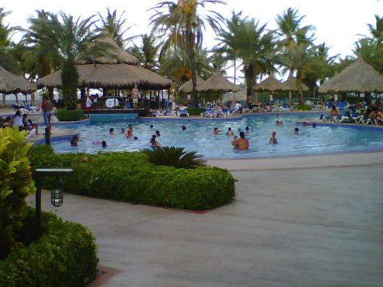 Isla Caribe Beach Hotel: Las piscinas