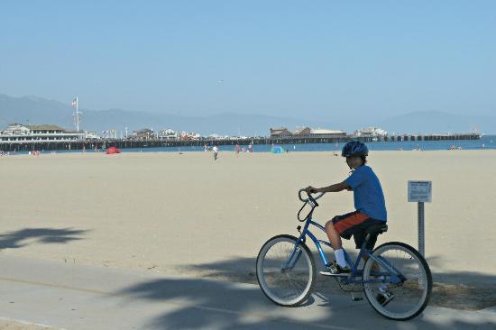 Brisas Del Mar, Inn At The Beach: Bike ride on the beach - amazing!