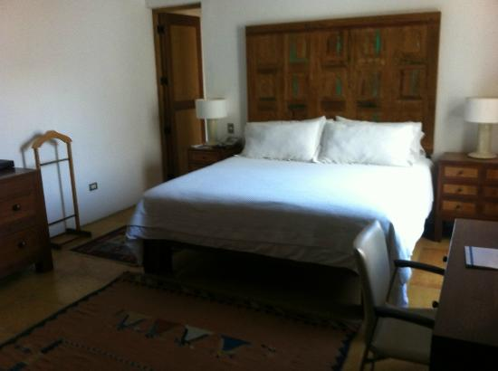 Casareyna Hotel: Room 205