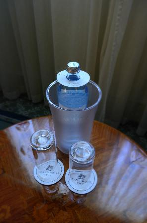 Grand Hotel Wien: Complimentary water