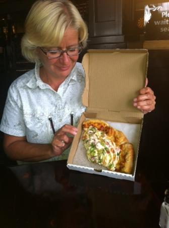 Riptide Marine Pub: doggybag voor de pizza.