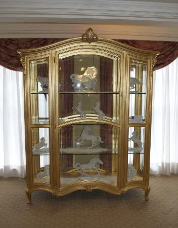 Grand Hotel Wien: Cabinet by the lift