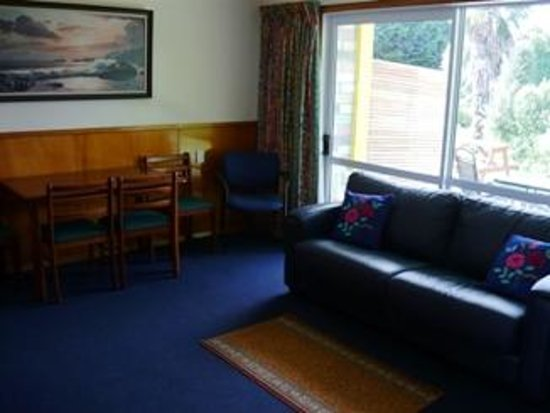 Otaki Motel: Family unit - living space