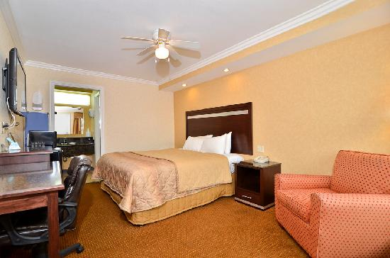 Americas Best Value Inn Westminster / Huntington Beach: Take a load off and relax