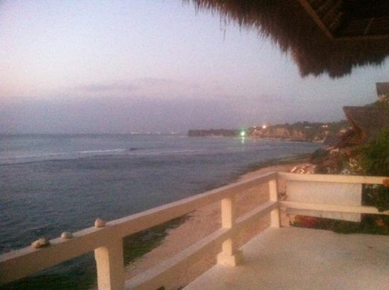 Bali Surf Villa: vue chambre