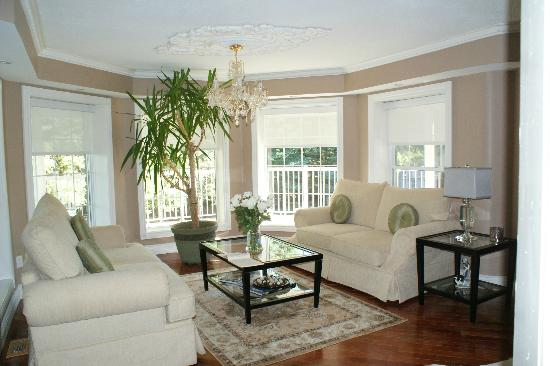 Hillview Haven Estate: Lounge area