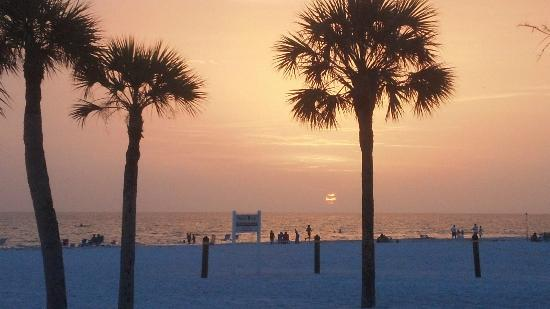 Sea Crest Apartments on Siesta Key: beach sunsets