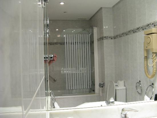Room picture of melia costa del sol torremolinos for Bathroom showrooms costa del sol