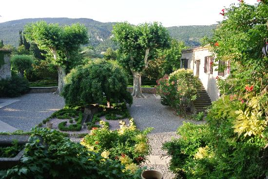 Hotellerie du Chateau de Floure : The Gardens