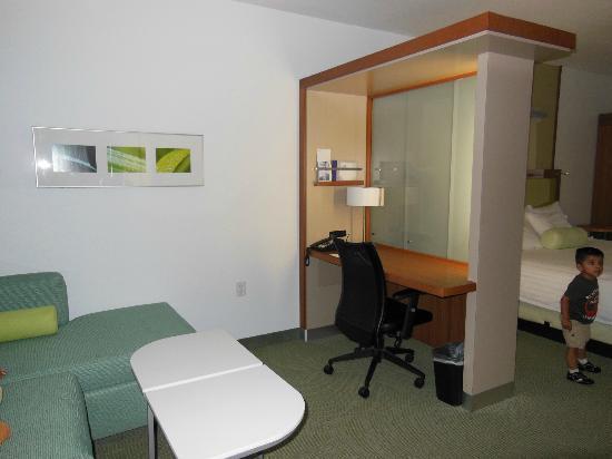SpringHill Suites Rexburg: desk