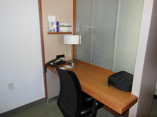 SpringHill Suites Rexburg : work desk