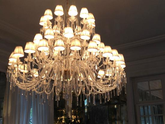 Hotel Majestic Roma: Beautiful Chandelier