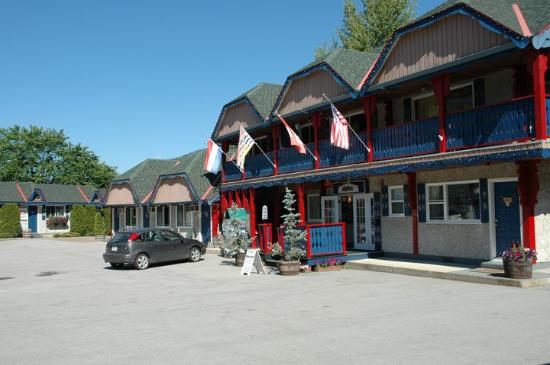 Alpine Inn and Suites: Main Office