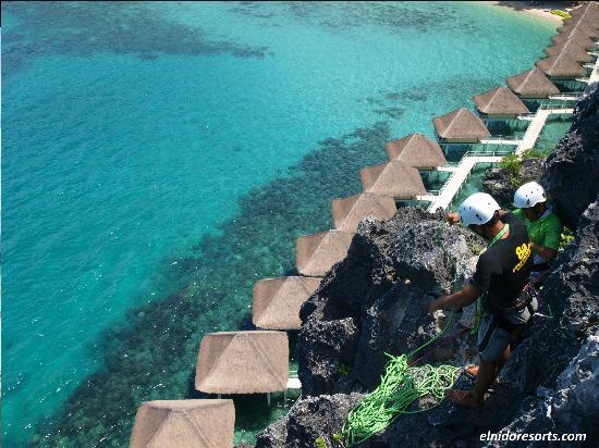 El Nido Resorts Apulit Island: Apulit's 60 meter Rappelling