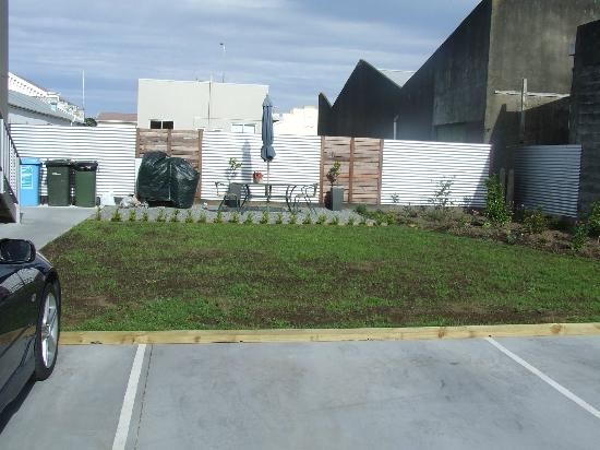 Hawera Central Motor Lodge : BBQ Area