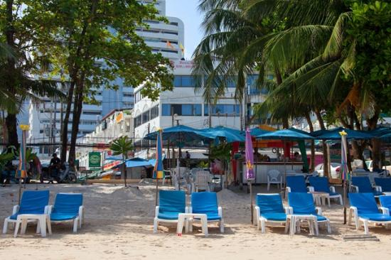 Patong beach bed and breakfast 2
