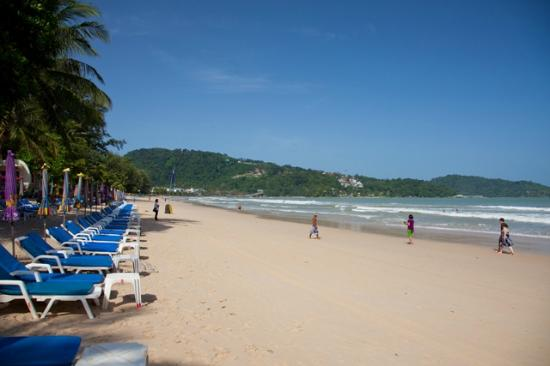 Patong Beach Bed and Breakfast: Your beach chair is 15 meters from your room