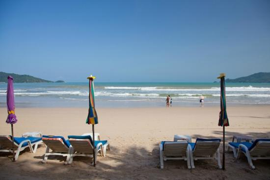 Patong Beach Bed and Breakfast: Your beach chair awaits - 20 steps from your room